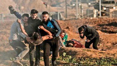 غزہ میں مظاہرین پر صیہونی فوج کی فائرنگ، 100 فلسطینی زخمی