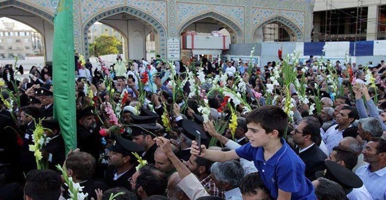 مشہد مقدس میں حرم امام رضا ؑ پر پھولوں کی بارش