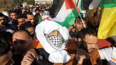 غزہ میں صیہونی دہشت گردی میں شہید فلسطینی سپرد خاک
