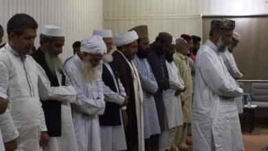 ایک ہی صف میں کھڑے ہوگئے محمود و ایاز، شیعہ سنی مشترکہ نماز