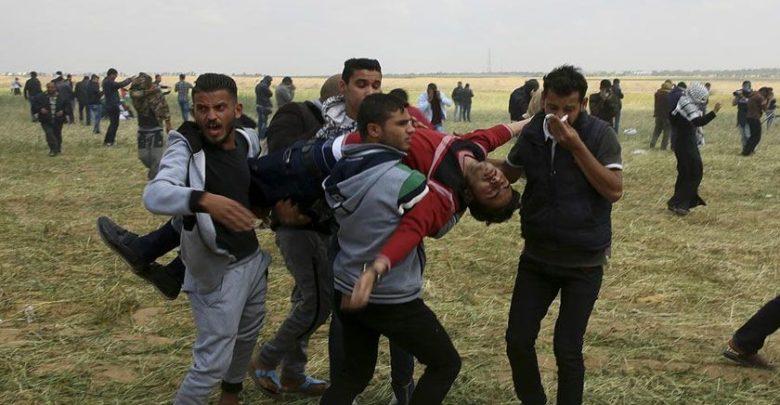 صیہونی فوج کی غزہ میں مظاہرین پر فائرنگ، 63 زخمی