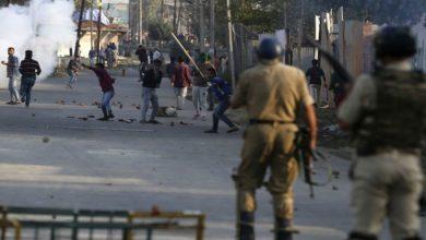 کشمیر میں کرفیو، عوام ایک ماہ سے گھروں میں قید