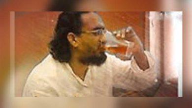 اورنگزیب فاروقی کی نجی محفل میں شراب نوشی کی تصویرمنظر عام پر آگئی