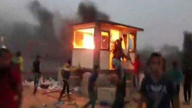 غزہ میں فلسطینیوں نے اسرائیل کی فوجی چیک پوسٹ نذر آتش کردی