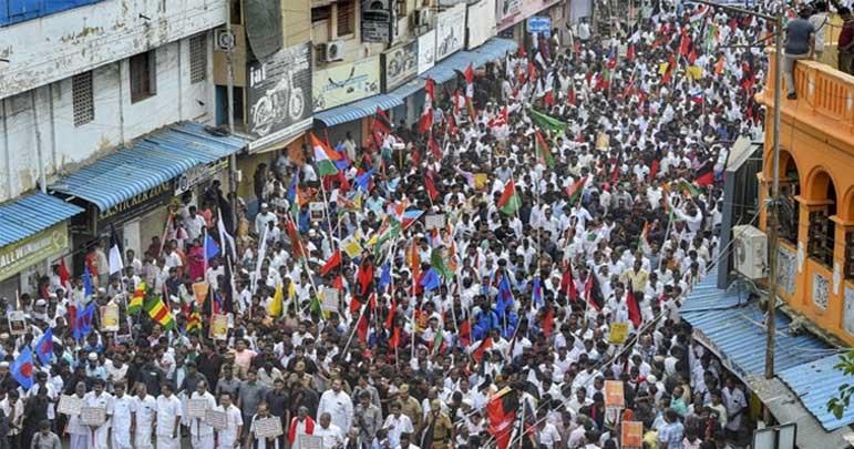 انڈیا، شہریت سے متعلق متنازع قانون، مظاہروں میں 28 ہلاک