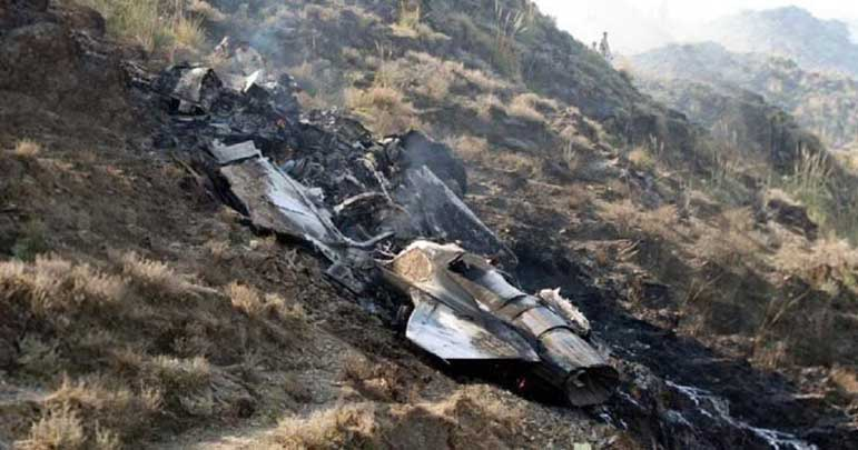 پاک فضائیہ کا ایف 16 طیارہ اسلام آباد میں گر کر تباہ