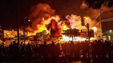 سیاہ فاموں سے بدسلوکی، امریکہ بھر میں پر تشدد مظاہرے جاری