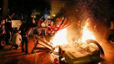 دنیا بھر میں آگ لگانے والا امریکہ خود آگ کی لپیٹ میں