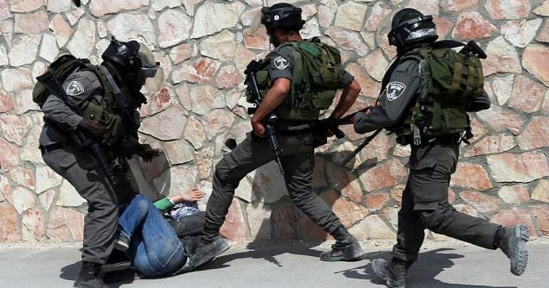 ایک ماہ میں اسرائیلی فوج کے کریک ڈاون میں 10 خواتین سمیت 410 افراد گرفتا