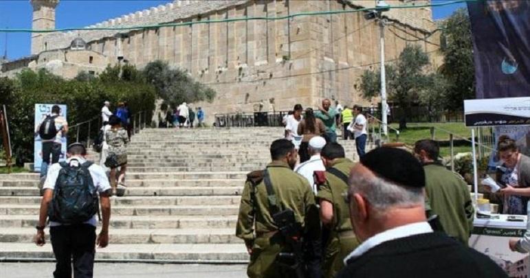مسجد ابراہیمی میں اذان اور نماز پر250 بار اسرائیلی پابندی