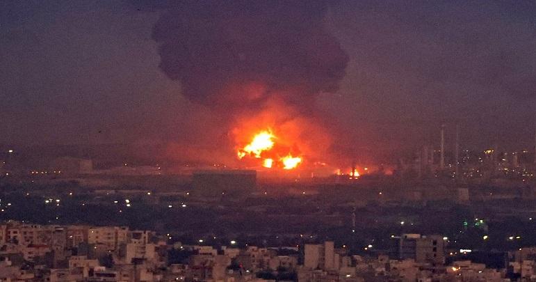 fire in tehran oil refinery