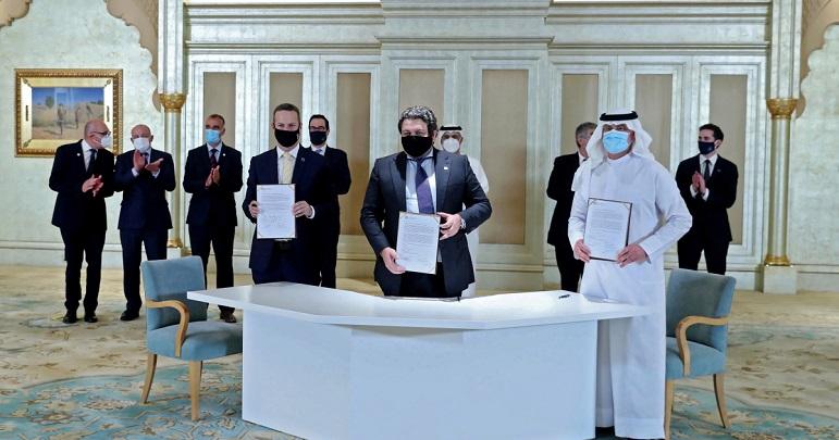 صیہونی دہشتگردی کے مرکز تل ابیب میں متحدہ عرب امارات کے سفارتخانے کا افتتاح