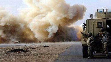 عراق میں امریکی سفارتخانے پر حملے کے بعد فوجی کاروانوں پر بھی حملے