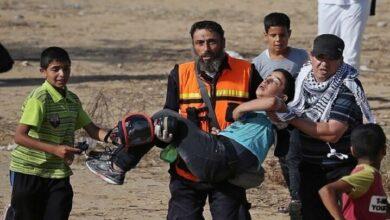 فلسطینی جوانون اور اسرائیلیوں میں شدید جھڑپین، 100 فلسطینی زخمی